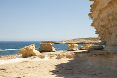 Kustvorming bij de Marsaskala-kust, Malta royalty-vrije stock afbeelding