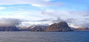 Kustwolken in het Hoge Noordpoolgebied Royalty-vrije Stock Foto's