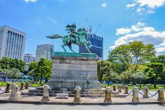 Kusunoki Masashige雕象在东京日本 免版税库存图片