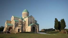 Kutaisi, Georgië Oude Muren van Bagrati-Kathedraal De Plaats van de Erfenis van de Wereld van Unesco Beroemd Oriëntatiepunt, Mees stock footage