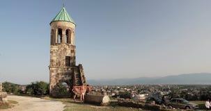 Kutaisi, Georgia - 11-ое сентября 2017: Старые стены собора Bagrati Место всемирного наследия Unesco известный наземный ориентир сток-видео