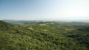 Kutaisi, Georgia Panorama de la reserva de Sataplia del estado Paisaje del VERANO metrajes