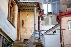 KUTAISI GRUZJA, LISTOPAD, - 22, 2016: Malownicze średniowieczne ulicy Kutaisi miasteczko, kapitał zachodni region Imereti, Geor Zdjęcie Stock