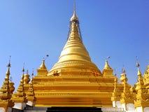 Kuthodaw塔在曼德勒 库存图片