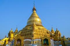 Kuthodaw Paya, Мьянма Стоковые Фотографии RF