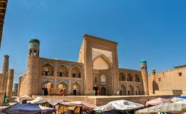 Kutlug Murad Inaq Madrasah em Itchan Kala, Khiva, Usbequistão imagens de stock