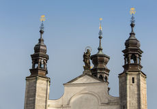 Kutna Hora, République Tchèque - 19 mars 2017 : Intérieur de l'ossuaire Kostnice de Sedlec décoré des crânes et des os Photographie stock libre de droits
