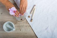 Kuuroordhoofdzaak voor een manicure Stock Foto's