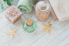Kuuroordproducten voor gezichts en lichaamsverzorging Eigengemaakte zeep, natuurlijke oi Stock Afbeelding