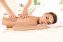Kuuroordvrouw. Close-up van een Beautiful Woman Getting Spa Behandeling. royalty-vrije stock foto's