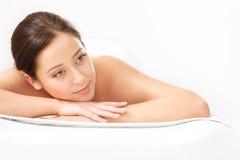 Kuuroordvrouw. Close-up van een Beautiful Woman Getting Spa Behandeling. royalty-vrije stock afbeeldingen