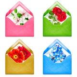 Kuvert med blommor Arkivfoto