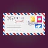 Kuvert med stämplar (sexhörning, muffin och det pappers- flygplanet) vektor illustrationer
