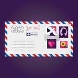 Kuvert med vektorn för stämplar (duva, kontur, hjärta och blomma) Arkivfoton