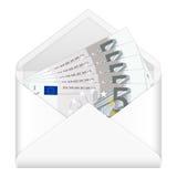 Kuvert och fem eurosedlar Arkivfoto