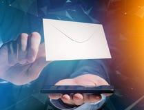 Kuvertmeddelande som visas på en futuristisk emailmanöverenhet - 3d Royaltyfri Foto