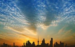Kuwait City under solnedgång Fotografering för Bildbyråer