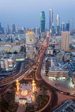 Kuwait-Stadt nachts Lizenzfreie Stockfotografie