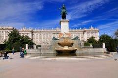 Plaza de Oriente, Madrid, Spanien royaltyfria foton