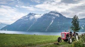 Kvalheim,挪威- 2016年5月31日:从Kvalheim村庄的看法在挪威 库存图片