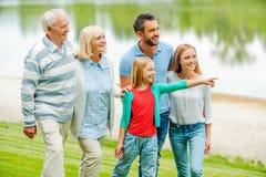 Kvalitets- tid för utgifter med familjen Arkivfoto