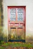 Kvarlämnade ledsna minnen den gamla dörren Royaltyfria Foton