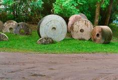 Kvarnstenen betong, rundan som är olik, plugghäst, maler, brukar Fotografering för Bildbyråer