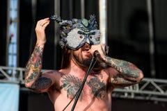 Kvelertak ciężkiego metalu muzyczny zespół wykonuje w koncercie przy ściąganie ciężkiego metalu festiwalem muzyki obrazy stock