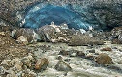 冰川在Kverkfjoll的冰洞 免版税库存照片