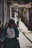 Kvinna av Pisaq Arkivbild