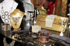 Kvinna Boutique för modetillbehör Fotografering för Bildbyråer
