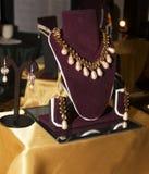 Kvinna Boutique för modetillbehör Royaltyfria Foton