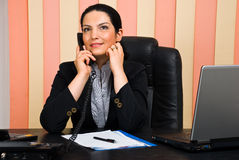 kvinna för affärscoversationtelefon Royaltyfri Fotografi