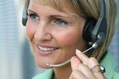 kvinna för affärsfelanmälanstelefon Fotografering för Bildbyråer