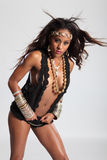 kvinna för blandad race för amazon härlig klantskallar sexig Royaltyfria Bilder