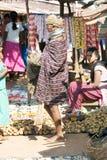 kvinna för bondamarknadsonokudelli Arkivbilder
