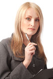 kvinna för clipboardholdingpenna Royaltyfri Foto