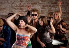 kvinna för deltagare för dansdiskovänner Royaltyfri Fotografi
