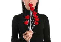 kvinna för hjärtaholdingtree royaltyfria bilder