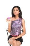 kvinna för indier för kortkrediteringsholding royaltyfri foto