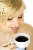 kvinna för kaffekopp royaltyfria bilder