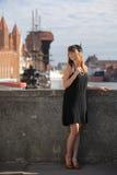 Kvinna för klaffflickatappning i 20-talstil Gdansk Arkivfoto