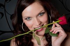 kvinna för red för deltagare för coctailklänningafton rose Royaltyfria Foton
