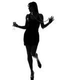 kvinna för silhouette för drinkingcocktail festa stilfull Royaltyfri Foto