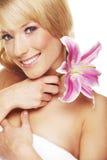 kvinna för skönhetblommastående Royaltyfria Bilder
