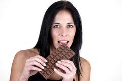 kvinna för sticka choklad för stång stor Royaltyfria Foton