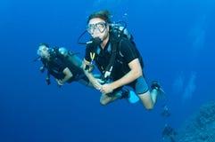 kvinna för togeather för dykmanscuba Royaltyfri Fotografi