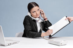 kvinna för upptagen telefon för affär talande Fotografering för Bildbyråer
