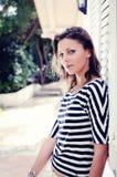 kvinna för utomhus nätt sommar för dag solig royaltyfri fotografi