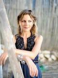 kvinna för utomhus nätt sommar för dag solig arkivfoton